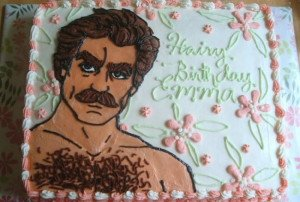 tom-selleck-cake-3